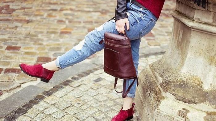 [FORUM] Sepatu atau tas, mana yang lebih banyak kamu punya? Sharing yuk!