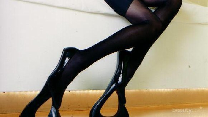 8 Sepatu Hak Tinggi Ekstrem