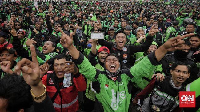 Presiden Jokowi memberikan keringanan berupa penundaan cicilan kredit motor ojol dan UMKM. Berikut ini syaratnya.