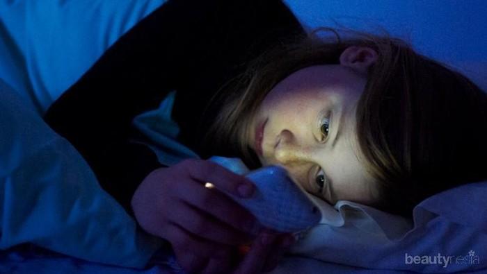 [FORUM] Takut kena radiasi setiap malam kalau tidur handphone selalu dimatikan, kalian melakukan hal yang sama?