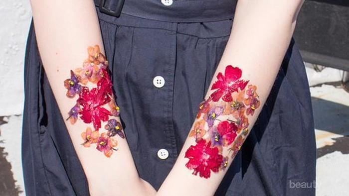 Cara Mempercantik Diri Dengan Tato Temporer dari Bunga Hidup