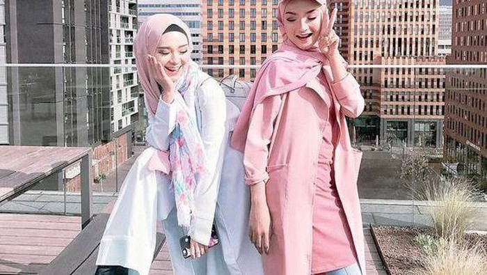 Tips Mix and Match Baju Warna Salem untuk Para Hijabers Kekinian yang Bisa Kamu Contek!
