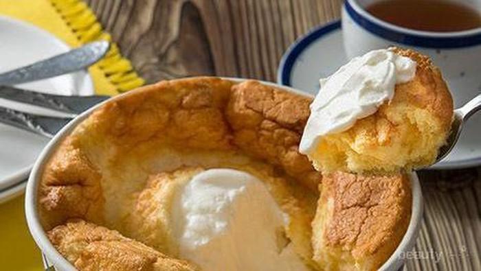Tren Makan Chiffon Cafe Dengan Sendok dari Jepang