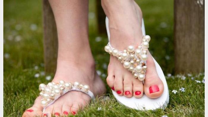 8 Ide Kreatif Cara Menghias Sandal Jepit (Bagian 2)