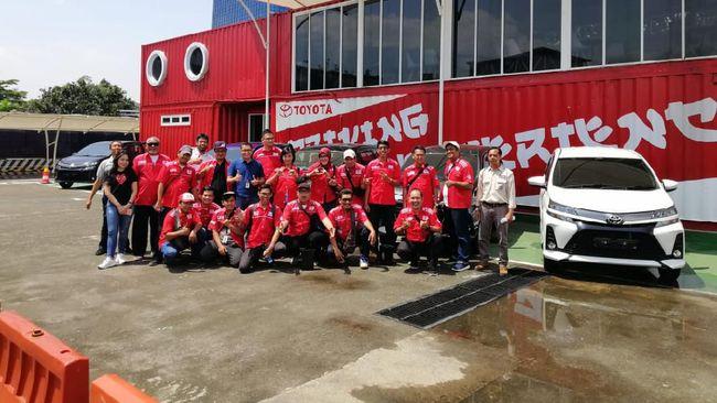 Karawang dipilih lantaran posisinya di tengah Pulau Jawa agar mudah dijangkau anggota komunitas AXIC dari Sumatera dan Papua.
