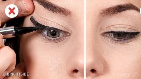 Begini Cara Memakai Eyeliner Pensil Supaya Terasa Lebih Mudah Bagi Pemula