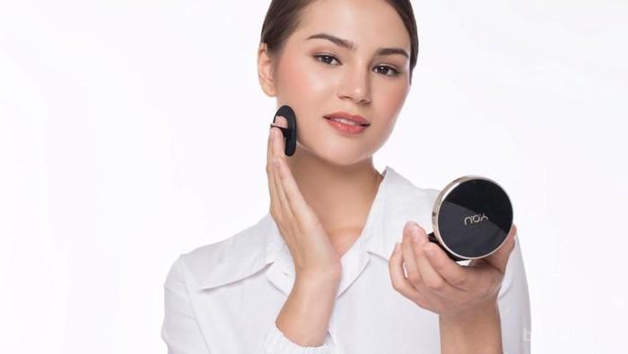 Butuh Makeup yang Bisa Awet Seharian? Ssst, Sebentar Lagi Kamu Akan Dapat Jawabannya!