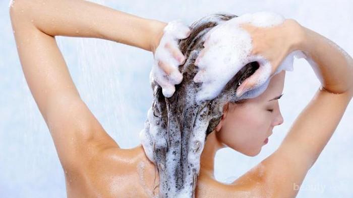 Hindari 8 Kesalahan Saat Keramas Agar Rambut Lebih Sehat