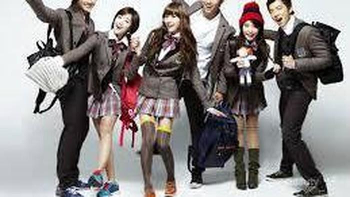Gaya Fashion ala Murid Sekolah di Drama Korea