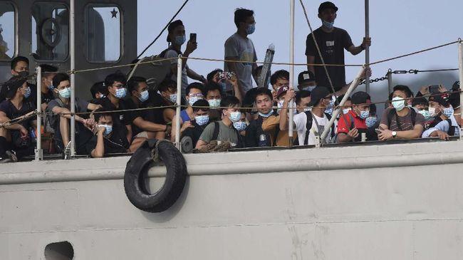 Pemerintah Indonesia mengimbau seluruh WNI di luar negeri bergegas pulang menghindari lockdown dan pandemi virus corona.
