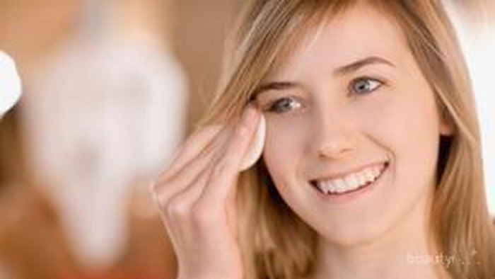 Ingin Kulit Wajah Yang Cantik? Gunakan Face Toner!