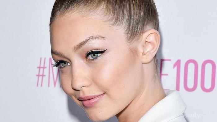 Tips Makeup Glowing dengan Highlighter untuk Pemula