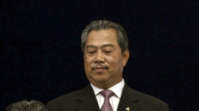Muhyiddin Yassin resmi menjadi Perdana Menteri baru Malaysia setelah ia ditunjuk langsung oleh Yang di-Pertuan Agong Al-Sultan Abdullah Ri'ayatuddin.
