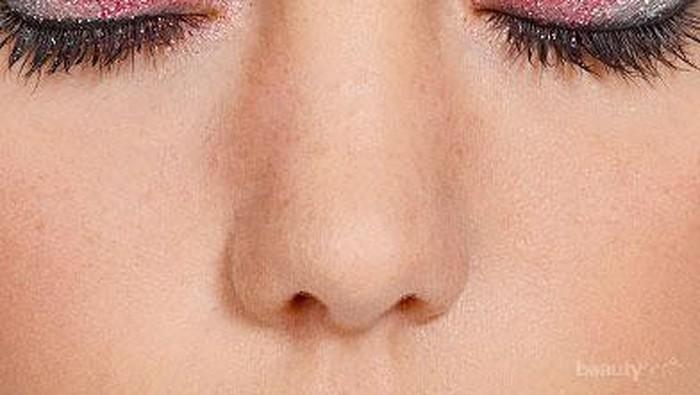 Percantik Dirimu dengan Menambahkan Glitter pada Makeup