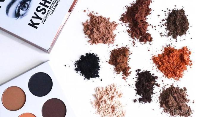 Kylie Jenner Luncurkan The Bronze Palette Kyshadow Kit