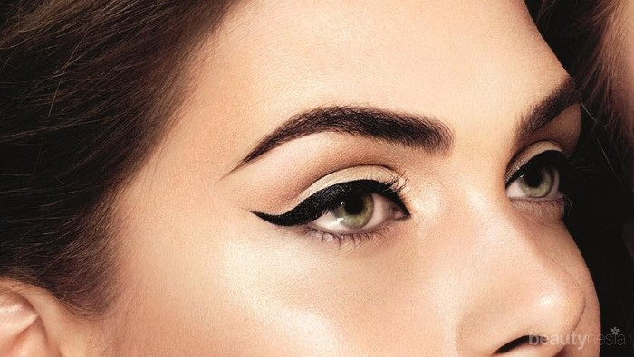 Tips Makeup: Memakai Eyeliner untuk Pemula