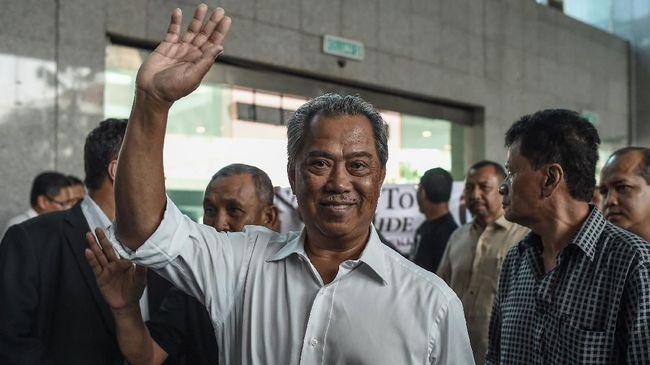 PM Malaysia Muhyiddin Yassin dilaporkan membatalkan rapat khusus parlemen hari ini, Senin (2/8), guna menghindari upaya penggulingannya oleh oposisi.