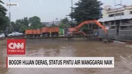 VIDEO: Bogor Hujan Deras, Status Pintu Air Manggarai Naik