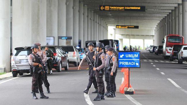 Sebanyak 69 ABK WNI Diamond Princesss diangkut menggunakan empat bus ke dermaga di Indramayu. Selanjutnya mereka akan menuju Pulau Sebaru kecil.