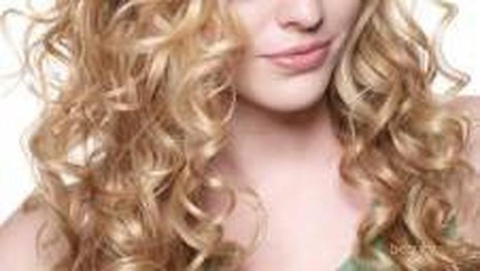 4 Best Hair Styling Spray untuk Perlindungan Terhadap Rambut Keriting