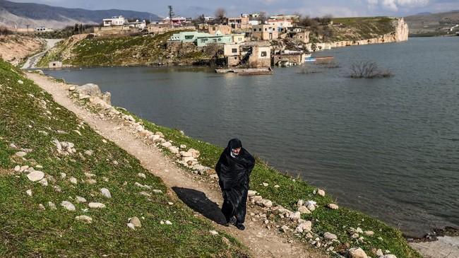 Kota berusia 12 ribu tahun di Turki, Hasankeyf, kini menghadapi akhir dari cerita, setiap hari kian tenggelam demi sebuah bendungan.