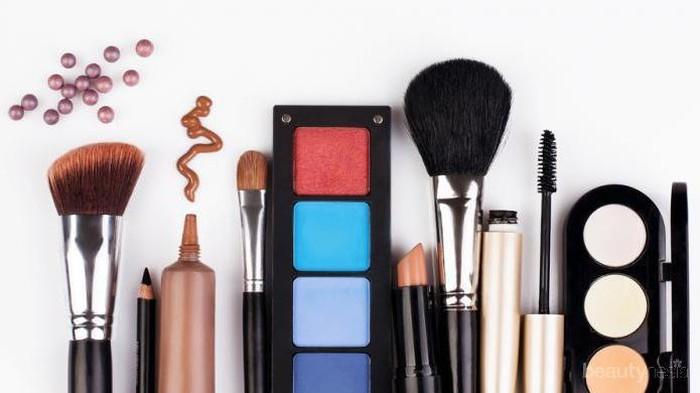 Belanja Makeup Lebih Hemat dengan 5 Langkah Ini!