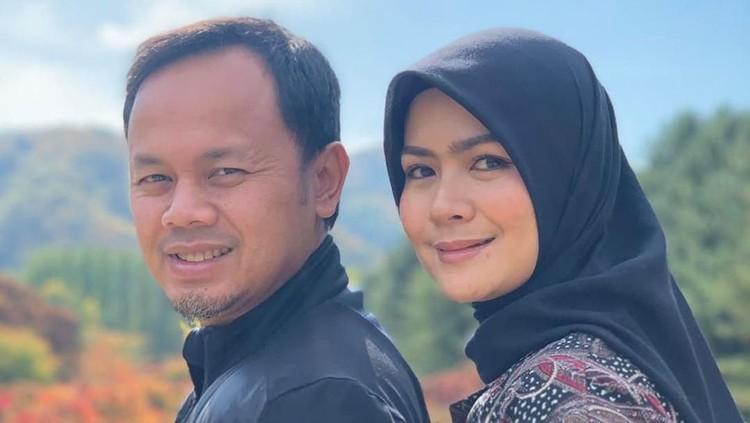 Istri Wali Kota Bogor, Yane Ardian punya cara unik sendiri dalam mengajak masyarakat Bogor untuk waspada virus corona, Bunda.