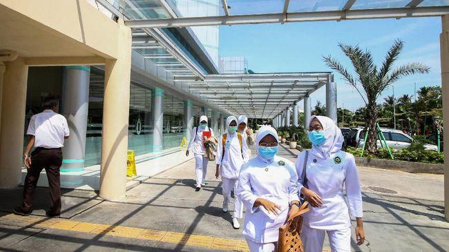 RS Premier Bintaro menegaskan operasional tetap berjalan seperti biasanya dan tak ada perawat yang positif terjangkit corona.