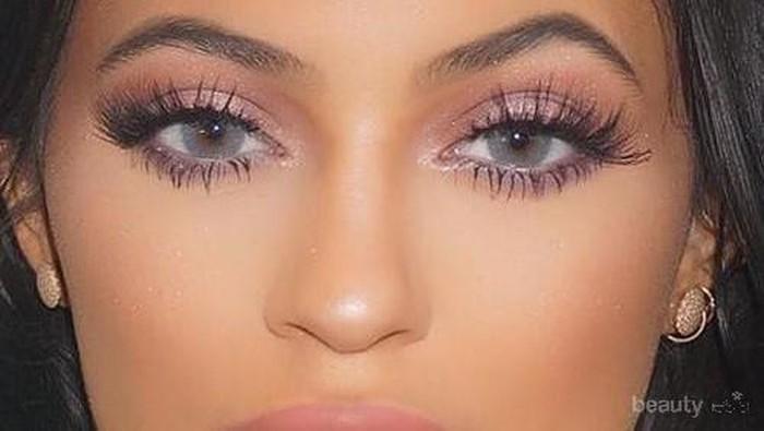 6 Tips & Trik Cara Membuat Bibir Ala Kylie Jenner