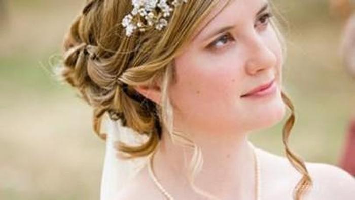 Tips Agar Makeup Untuk Pernikahan Tampak Sempurna & Tahan Lama