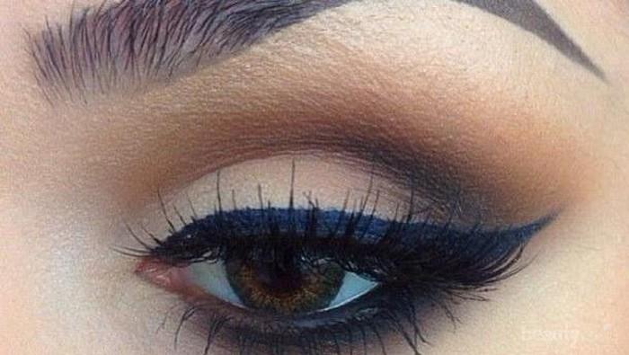 Menggunakan Eyeliner Sesuai Jenis & Bentuk Mata