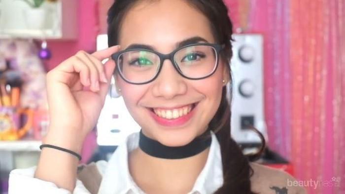 Gaya Makeup Cantik untuk Pengguna Kacamata