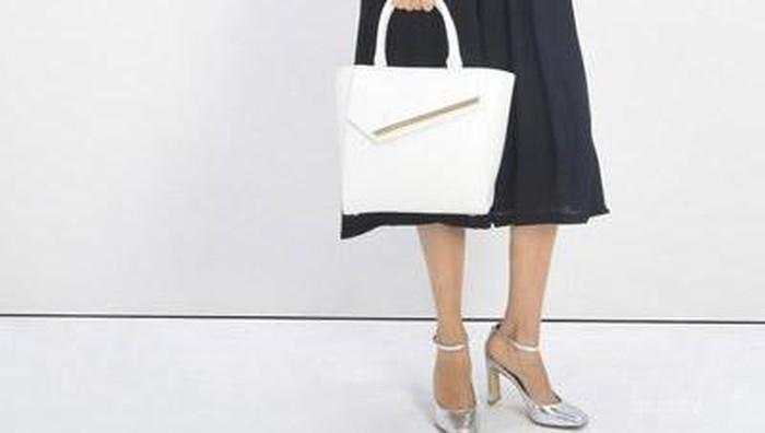 Pilihan Tas Putih dari Charles & Keith yang Elegan Dengan Harga Diskon