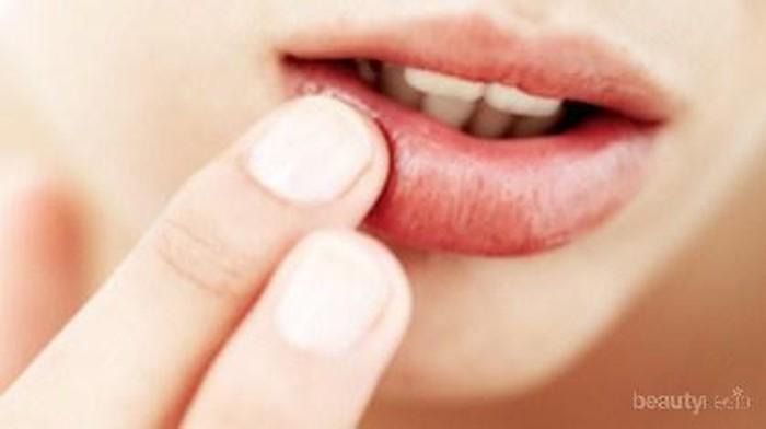 Ingin Bibir Tetap Lembab Saat Puasa? Ini 8 Tipsnya