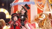 <p>Selamat ulang tahun Sheena Gabriella Aurora Samudra. Anak pasangan Momo Geisha dan Reza Samudra ini baru saja merayakan ultah ulang tahun pertama pada 28 Februari 2020 lalu. (Foto by allseasonphoto by Instagram @therealmomogeisha)</p>