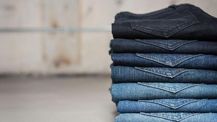 4 Pilihan Celana Jeans agar Tampil Percaya Diri Dengan Paha Besar