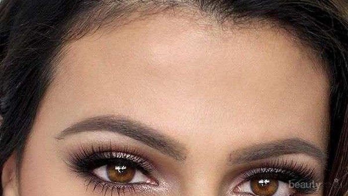 Tips Makeup untuk Mata Lebih Menonjol & Cerah