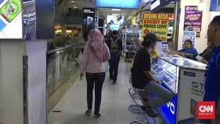 Dua Warga Kena Corona, Penjualan Ponsel di Depok Tetap Ramai