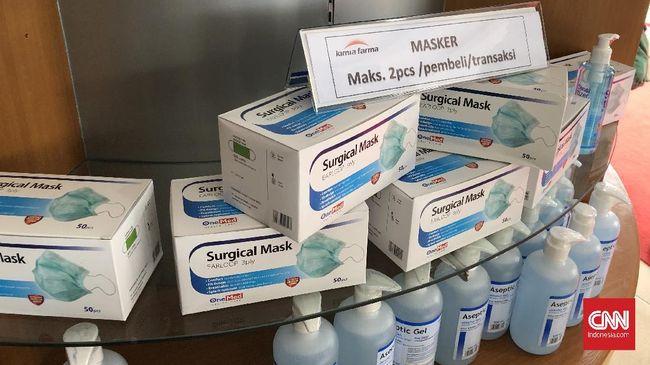 Kimia Farma membatasi penjualan masker dan hand sanitizer demi mencegah penimbunan di tengah wabah virus corona.