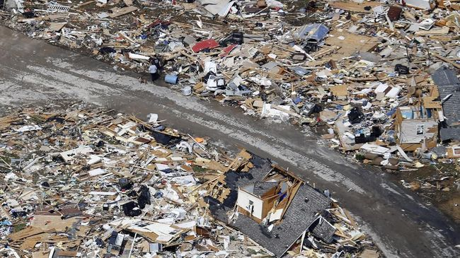Sebanyak enam orang tewas akibat terjangan Badai Tropis Isaias di kawasan pantai timur Amerika Serikat, Selasa (4/8).