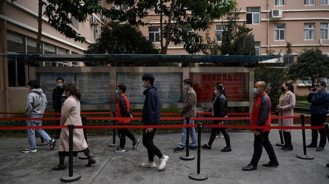 Aktivitas pabrik China tumbuh dengan laju tercepatnya selama lebih dari tiga tahun terakhir.