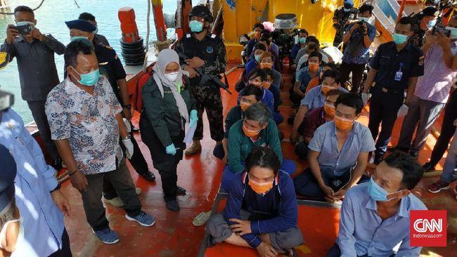 Dari penangkapan lima kapal asing pelaku pencurian ikan di laut Natuna Utara, ada 68 ABK yang berkewarganegaraan Vietnam turut diamankan petugas.