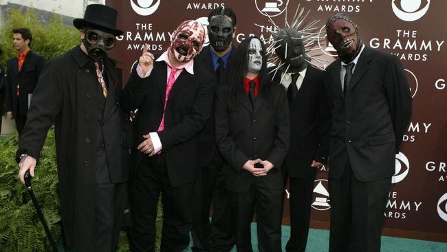 Pentolan band Slipknot, Corey Taylor, akan merilis album solo debutnya pada 29 Juli mendatang.
