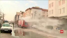 VIDEO: Corona Meluas, Iran Semprot Disinfektan ke Jalan