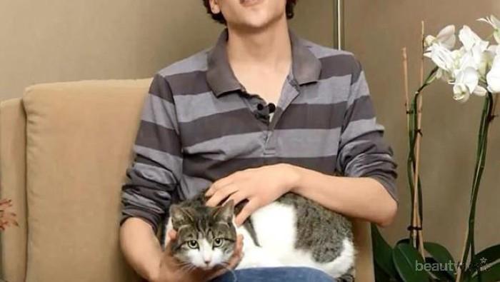 16 Selebriti Hollywood dengan Kucing Mereka (Part 2)