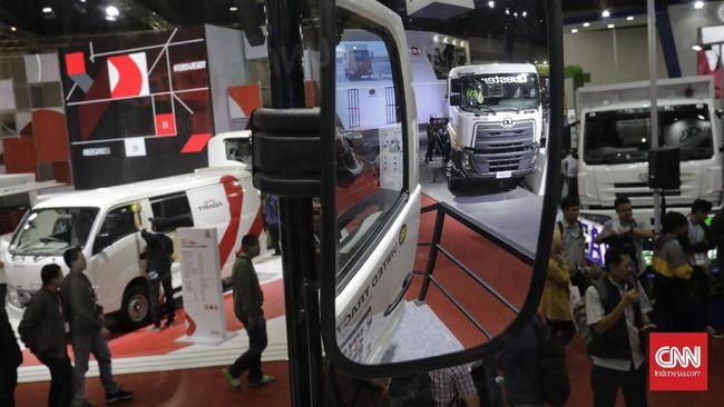 Gaikindo mencatat penjualan ritel kendaraan komersial pada Maret 2021 meningkat 18 persen ditopang pertumbuhan sektor logistik.