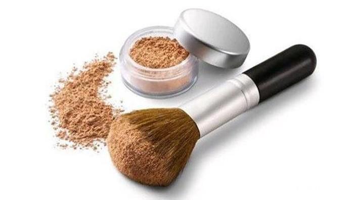 [FORUM] Lebih suka pakai bedak dengan brush atau beauty spons?