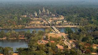 Demi Konten, Seleb TikTok Ejek Sejarah Angkor Wat