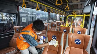 Corona Bikin Transjakarta, KRL, MRT, dan LRT Sepi Penumpang