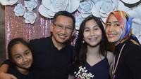 <p>Keysha adalah anak Sandrina dari pernikahan pertamanya dengan Rico Ceper. Setelah bercerai dari Rico, Sandrina kemud (Foto: Instagram@smalakiano) </p>